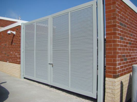 STEEL FIXED LOUVER DOUBLE SWING GATE