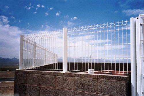 welded wire fence design