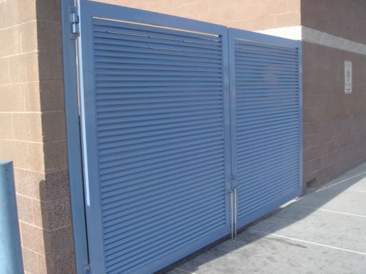 ALUMINUM DOUBLE SWING GATE